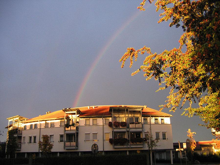 Regenbogen über dem Martinshaus